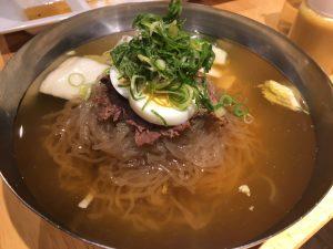アジョシ名物 京都冷麺