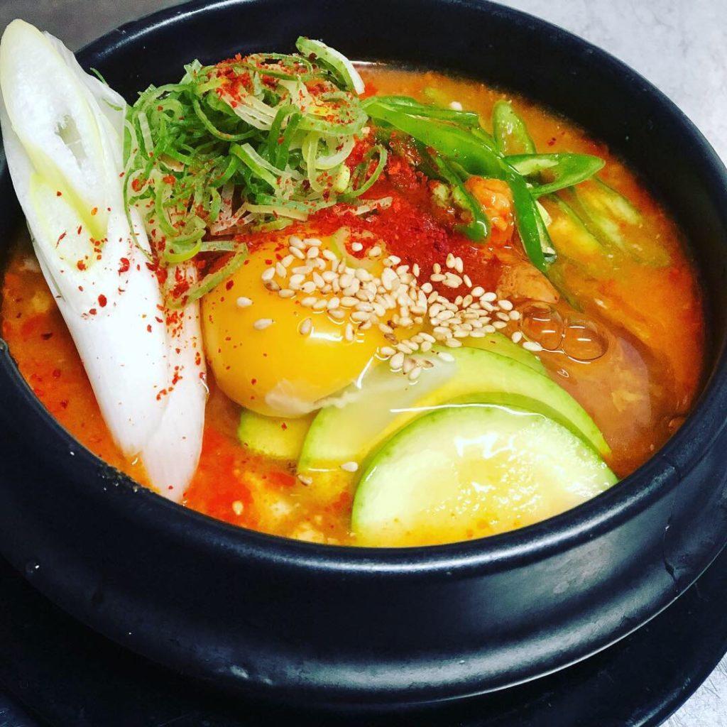 スンドゥブチゲ アジョシ 京都 韓国料理