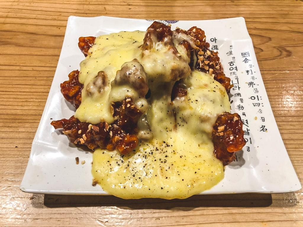 ヤンニョムチキン + チーズトッピング
